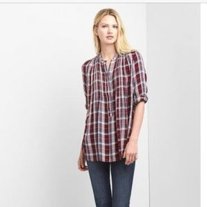 Gap Pintuck tunic red plaid M